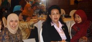acara juga dihadiri oleh Ketua Umum Kaukus Perempuan Politik Indonesia Ratu Dian Hatifah, Wakil Ketua MPR GKR Hemas, dan Komisioner Komnas Perempuan Masruchah
